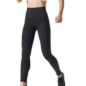 Women's Blanqi hybrid leggings signature seam-free